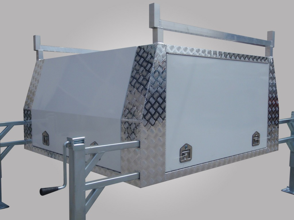 Dual Cab Sized Aluminium Jack Off Ute Canopy With Smooth Aluminium Doors Powder Coated White & Best Priced Jack Off Aluminium Ute Canopy in Australia